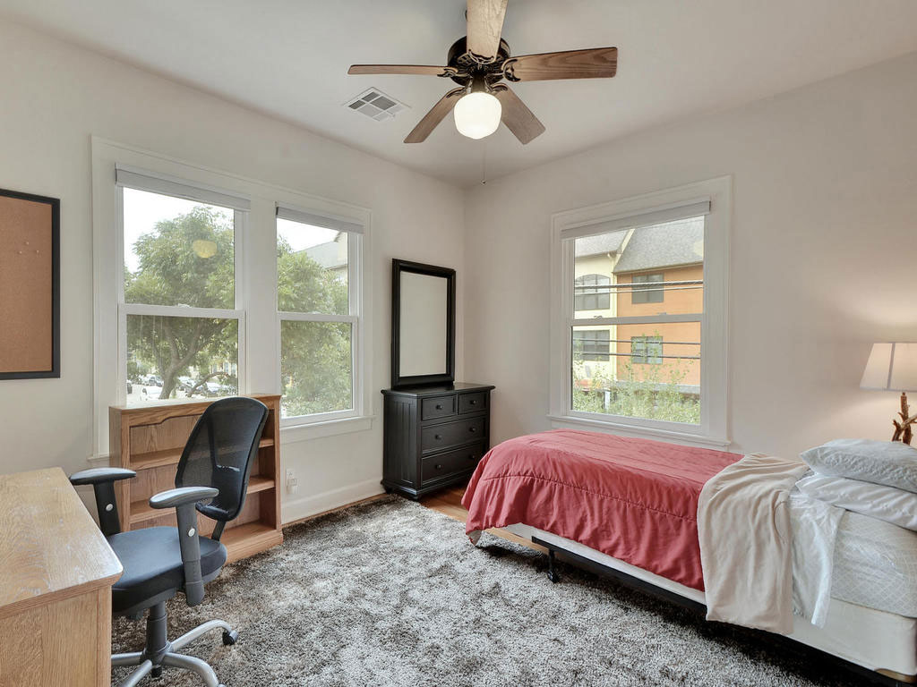 15-2811-Hemphill-Park-MLS_Size-019-2-Bedroom-01-1024x768-WEB